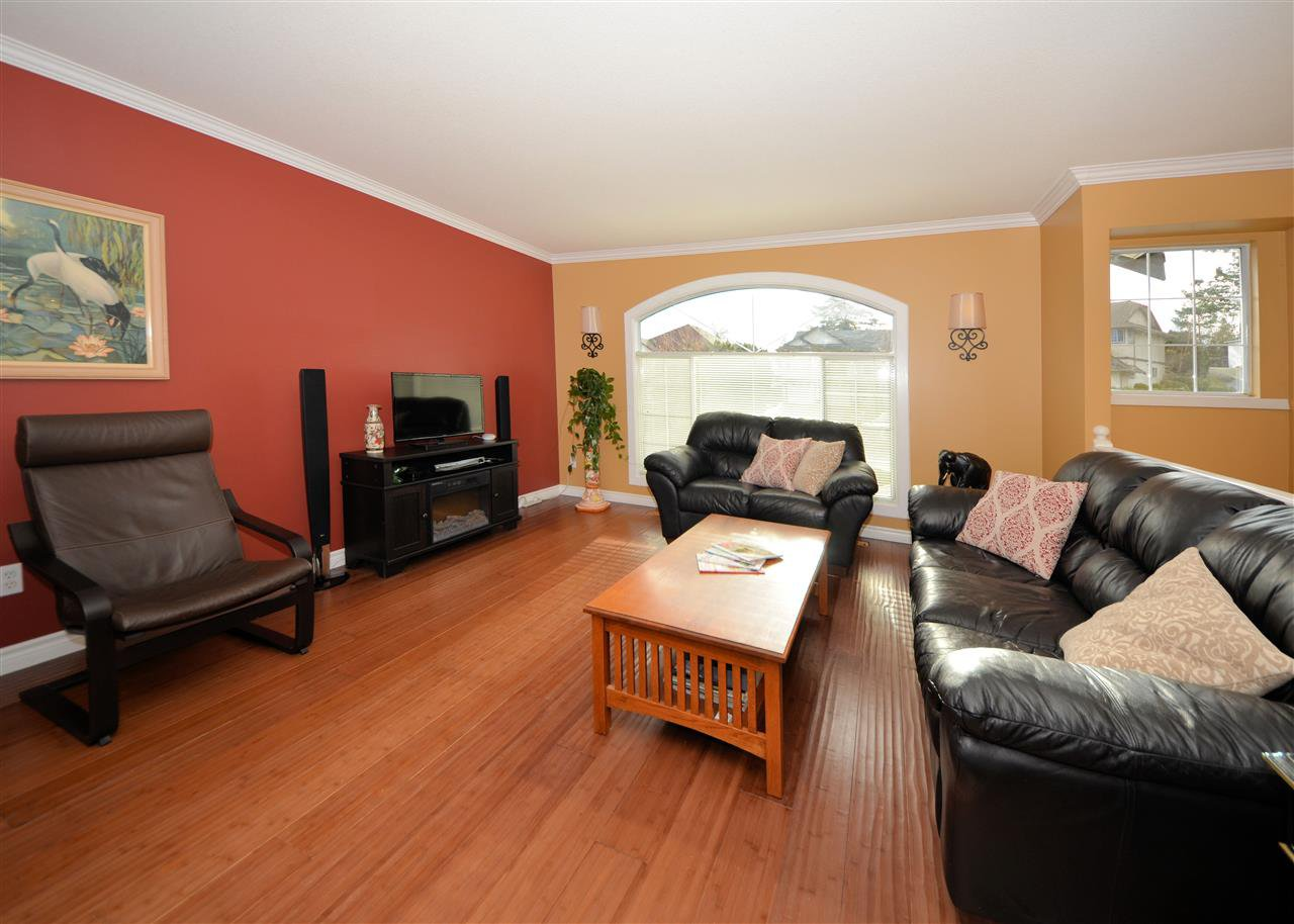 Main Photo: 32433 HASHIZUME Terrace in Mission: Mission BC House for sale : MLS®# R2328638