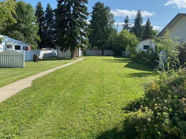 Main Photo: 5415 45 Avenue: Wetaskiwin Vacant Lot for sale : MLS®# E4140358