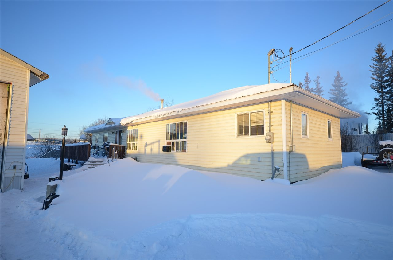 Photo 1: Photos: 12448 RIMROCK Drive in Charlie Lake: Lakeshore House for sale (Fort St. John (Zone 60))  : MLS®# R2338754