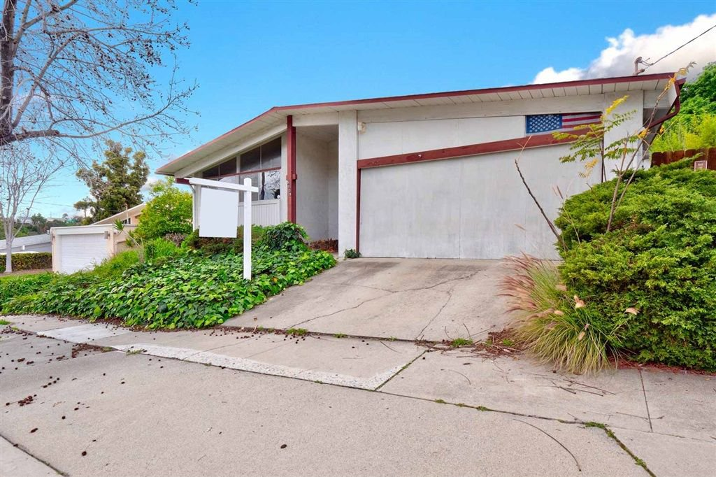 Photo 2: Photos: SAN DIEGO House for sale : 3 bedrooms : 5038 Chaparral Way