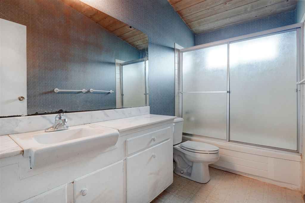 Photo 12: Photos: SAN DIEGO House for sale : 3 bedrooms : 5038 Chaparral Way