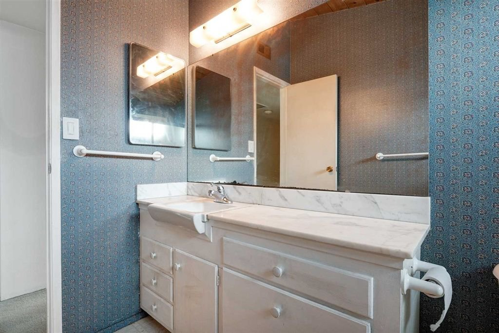 Photo 13: Photos: SAN DIEGO House for sale : 3 bedrooms : 5038 Chaparral Way