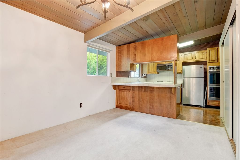 Photo 7: Photos: SAN DIEGO House for sale : 3 bedrooms : 5038 Chaparral Way