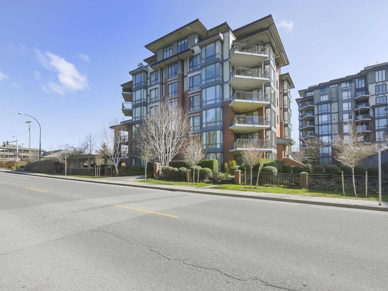 "Main Photo: 401 1580 MARTIN Street: White Rock Condo for sale in ""Sussex House"" (South Surrey White Rock)  : MLS®# R2351318"