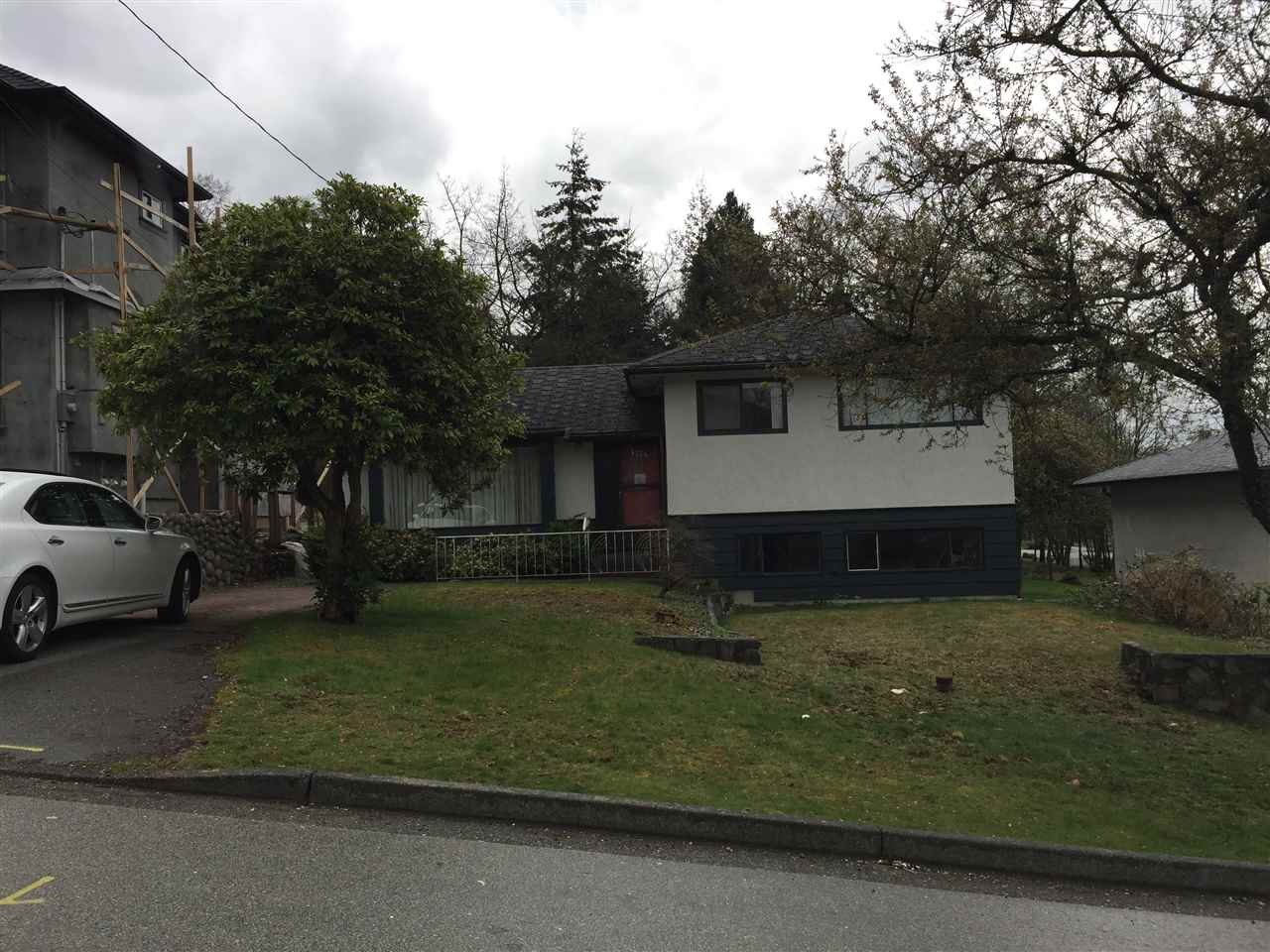 Main Photo: 4734 CAMBRIDGE Street in Burnaby: Capitol Hill BN House for sale (Burnaby North)  : MLS®# R2356293