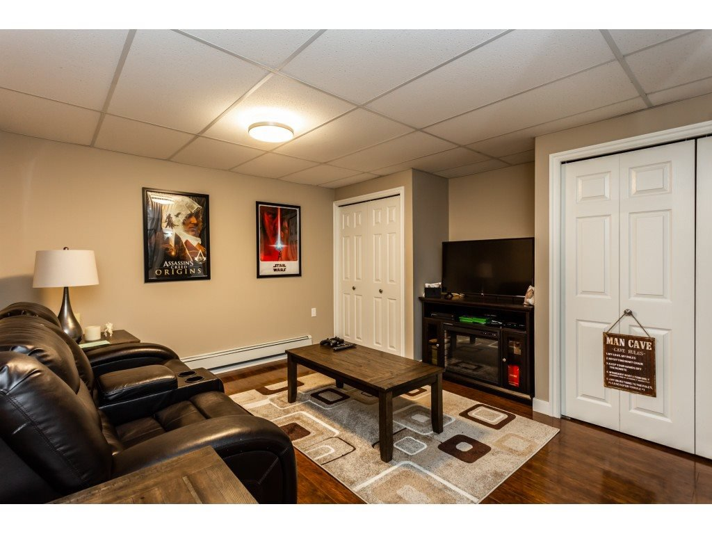 Photo 14: Photos: 23646 55A Avenue in Langley: Salmon River House for sale : MLS®# R2361499