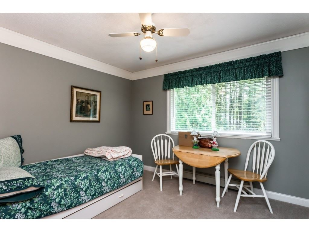 Photo 11: Photos: 23646 55A Avenue in Langley: Salmon River House for sale : MLS®# R2361499