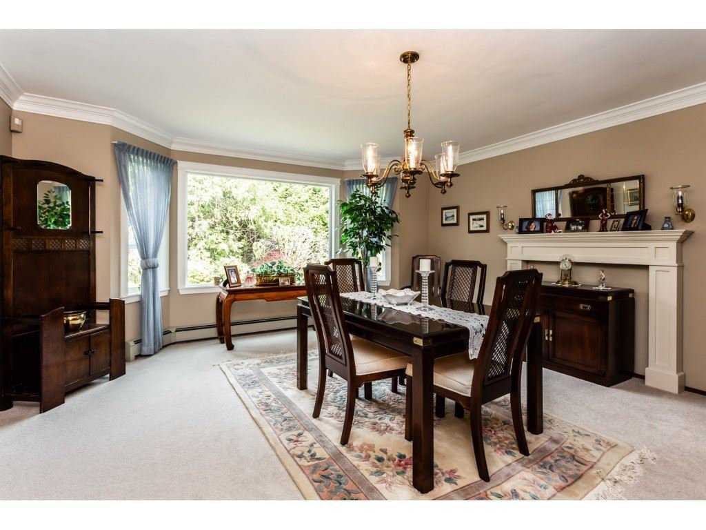 Photo 8: Photos: 23646 55A Avenue in Langley: Salmon River House for sale : MLS®# R2361499