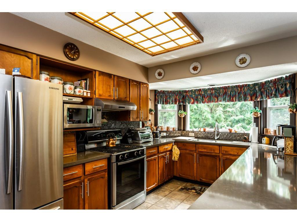 Photo 6: Photos: 23646 55A Avenue in Langley: Salmon River House for sale : MLS®# R2361499