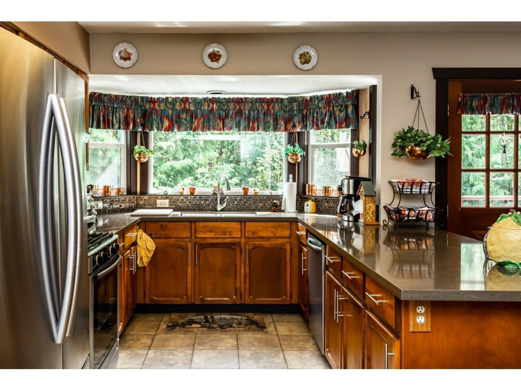 Photo 7: Photos: 23646 55A Avenue in Langley: Salmon River House for sale : MLS®# R2361499