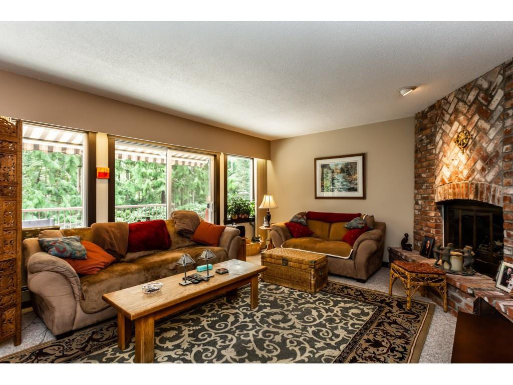 Photo 3: Photos: 23646 55A Avenue in Langley: Salmon River House for sale : MLS®# R2361499