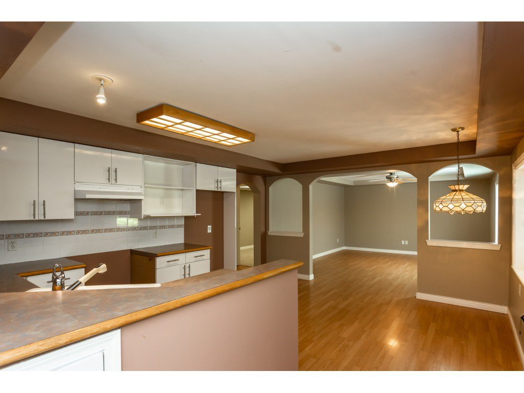 Photo 15: Photos: 23646 55A Avenue in Langley: Salmon River House for sale : MLS®# R2361499