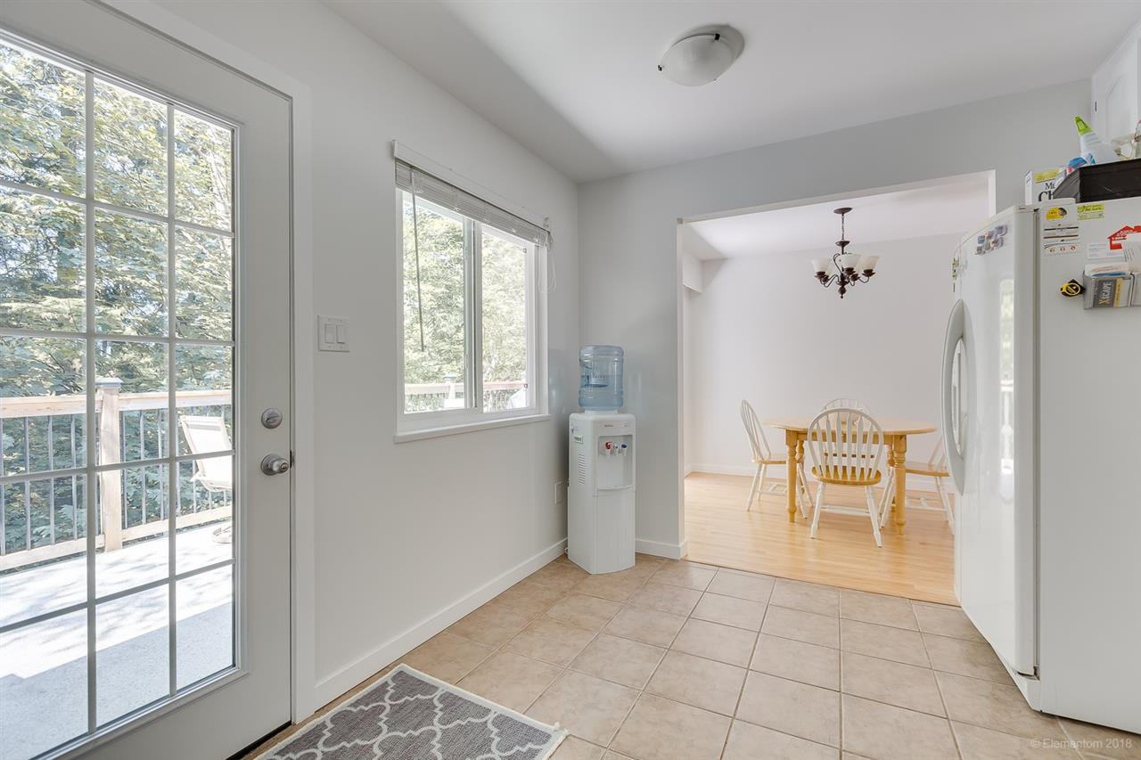 Photo 9: Photos: 1030 GATENSBURY Road in Port Moody: Port Moody Centre House for sale : MLS®# R2394825