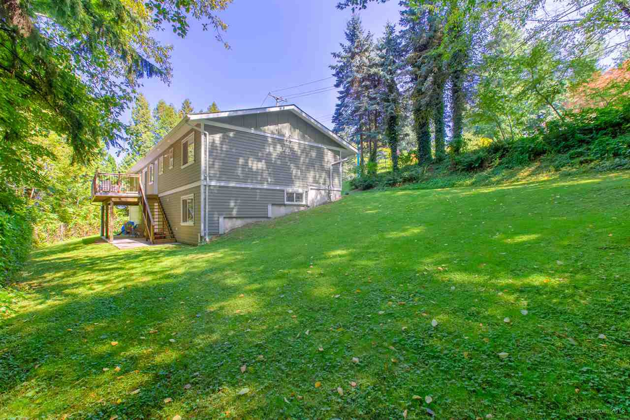 Photo 18: Photos: 1030 GATENSBURY Road in Port Moody: Port Moody Centre House for sale : MLS®# R2394825