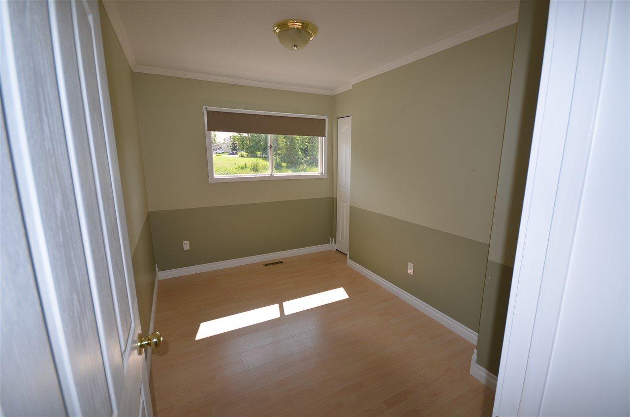 Photo 5: Photos: 9808 111 Avenue in Fort St. John: Fort St. John - City NE House for sale (Fort St. John (Zone 60))  : MLS®# R2398898