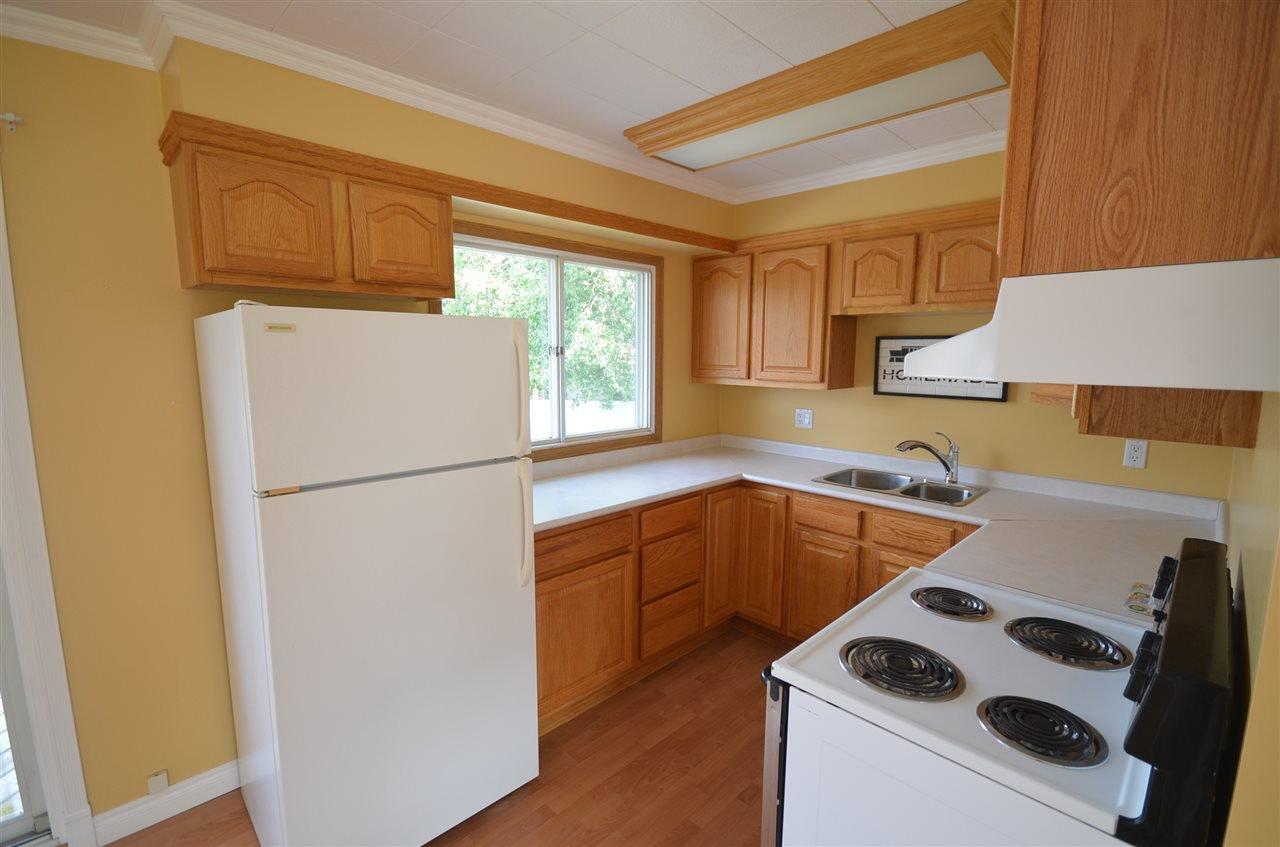 Photo 10: Photos: 9808 111 Avenue in Fort St. John: Fort St. John - City NE House for sale (Fort St. John (Zone 60))  : MLS®# R2398898