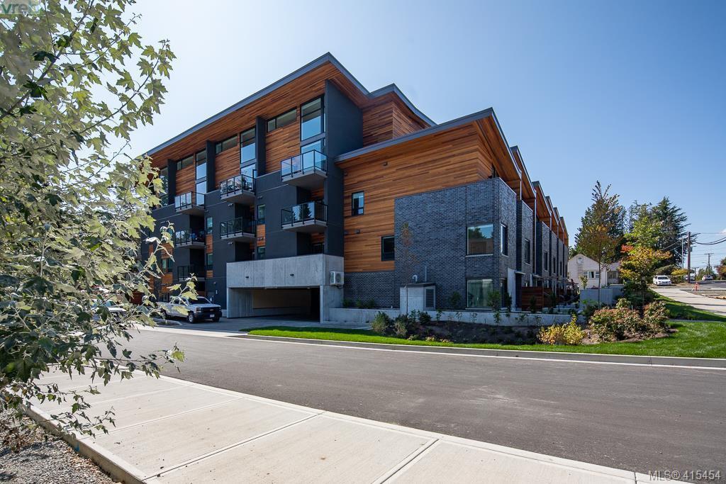 Main Photo: 205 991 McKenzie Avenue in VICTORIA: SE Quadra Condo Apartment for sale (Saanich East)  : MLS®# 415454