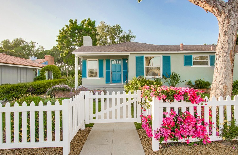 Main Photo: CHULA VISTA House for sale : 4 bedrooms : 17 L St