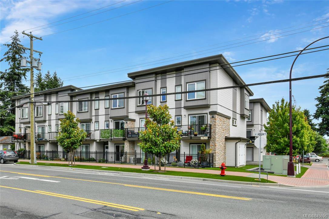 Main Photo: 109 2821 Jacklin Rd in Langford: La Langford Proper Row/Townhouse for sale : MLS®# 845096