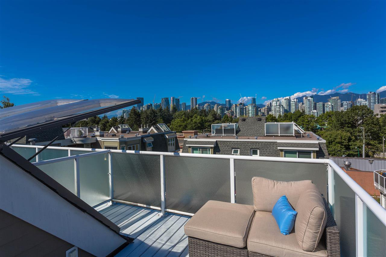 """Main Photo: 715 W 7TH Avenue in Vancouver: Fairview VW Townhouse for sale in """"The Fountains"""" (Vancouver West)  : MLS®# R2500112"""