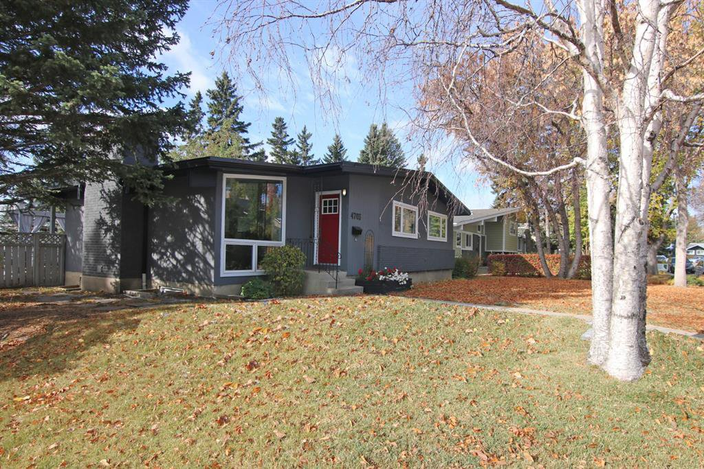 Main Photo: 4703 Chapel Road NW in Calgary: Charleswood Detached for sale : MLS®# A1041619