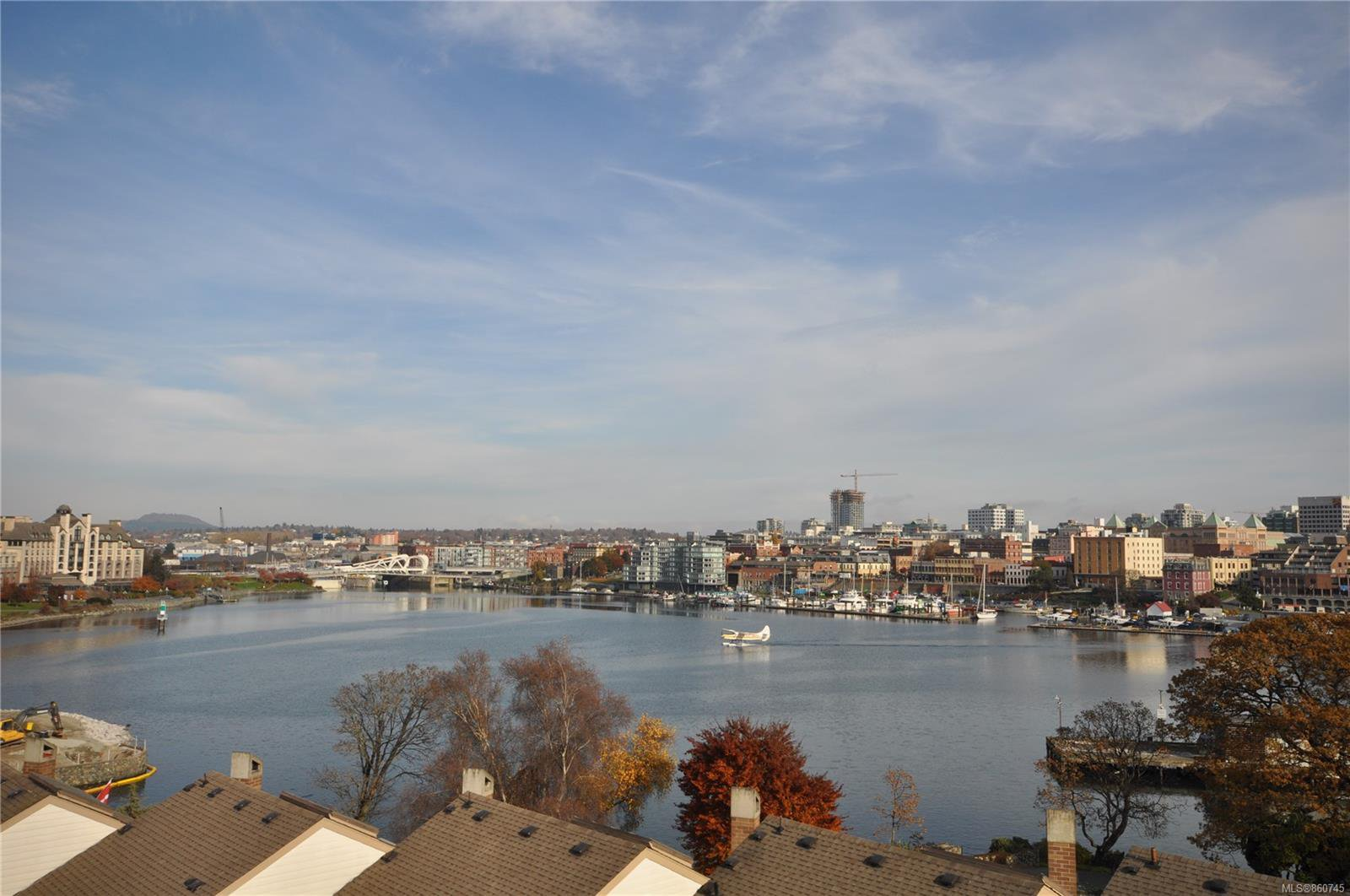 Main Photo: 611 225 Belleville St in : Vi James Bay Condo for sale (Victoria)  : MLS®# 860745