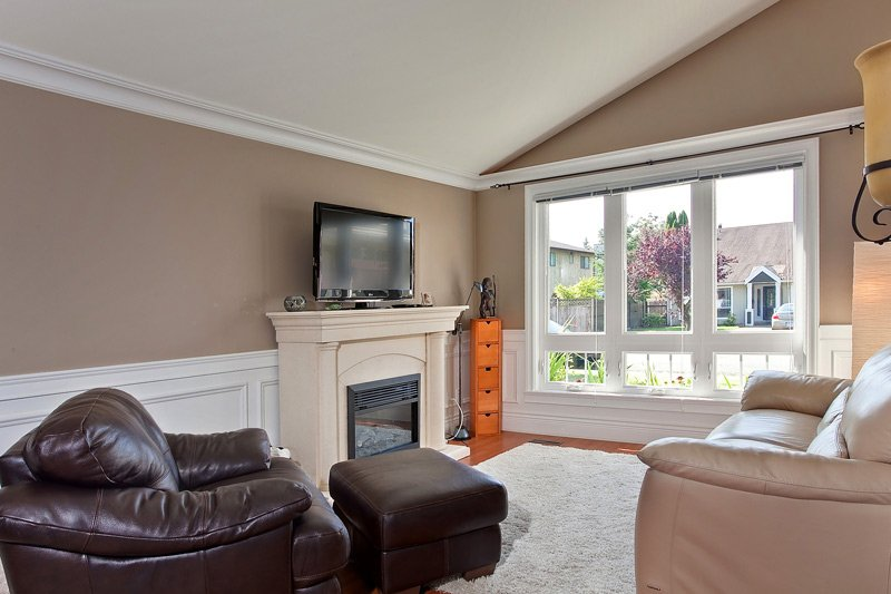 Photo 8: Photos: 3251 Georgeson Avenue in Coquitlam: House for sale (Port Coquitlam)  : MLS®# V905257
