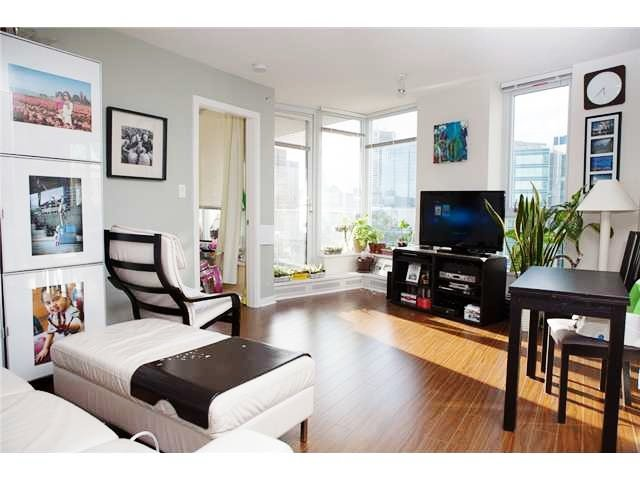 Photo 2: Photos: 188 Keefer Place in Vancouver: Downtown VW Condo for sale (Vancouver West)  : MLS®# V940965