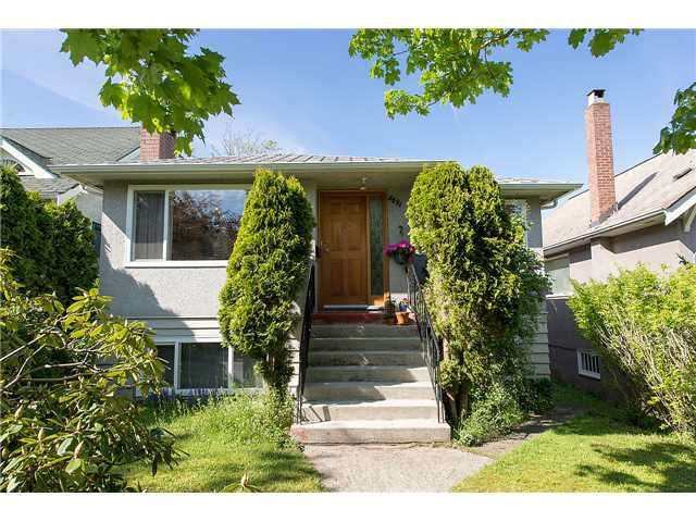 """Main Photo: 3691 W 21ST Avenue in Vancouver: Dunbar House for sale in """"DUNBAR"""" (Vancouver West)  : MLS®# V1062910"""