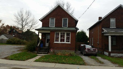 Main Photo: 159 E Athol Street in Oshawa: Central House (2-Storey) for lease : MLS®# E3056839