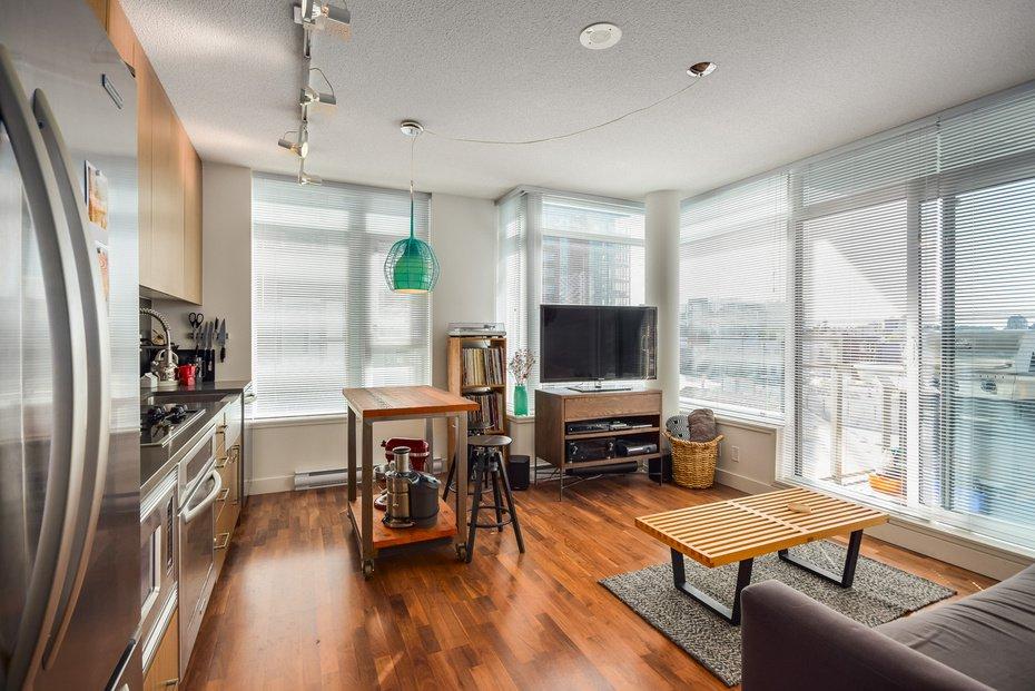 Photo 3: Photos: # 616 250 E 6TH AV in Vancouver: Mount Pleasant VE Condo for sale (Vancouver East)  : MLS®# V1058995