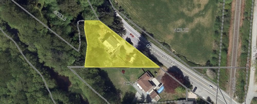 Main Photo: 40699 GOVERNMENT Road in Squamish: Brackendale House for sale : MLS®# R2008773