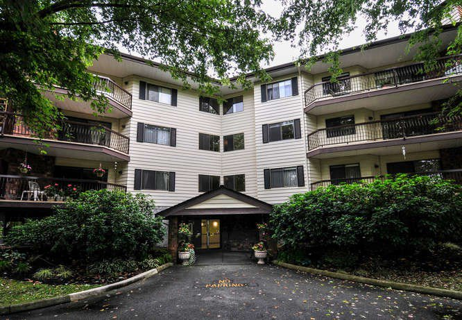 """Main Photo: 211 10240 RYAN Road in Richmond: South Arm Condo for sale in """"STORNOWAY"""" : MLS®# R2008896"""