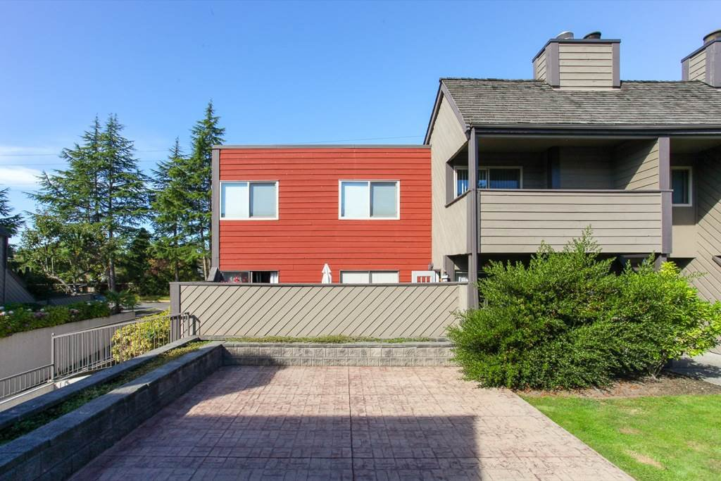 "Main Photo: 142 5421 10 Avenue in Delta: Tsawwassen Central Condo for sale in ""SUNDIAL"" (Tsawwassen)  : MLS®# R2108471"