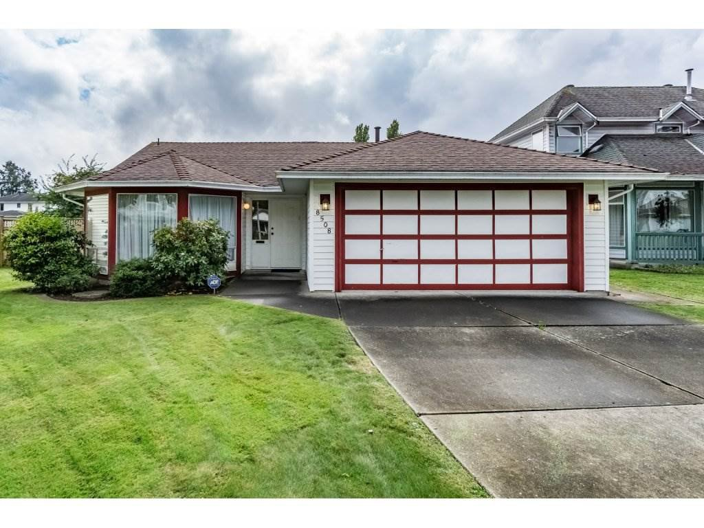 "Main Photo: 8508 121 Street in Surrey: Queen Mary Park Surrey House for sale in ""JANIS PARK"" : MLS®# R2113584"