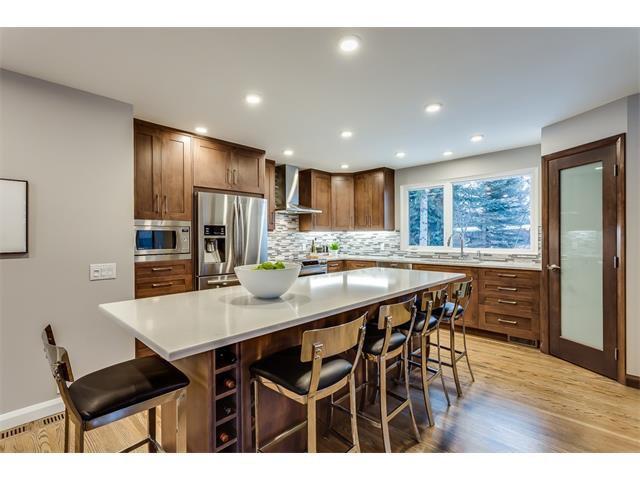 Photo 9: Photos: 5008 VANSTONE Crescent NW in Calgary: Varsity House for sale : MLS®# C4094645