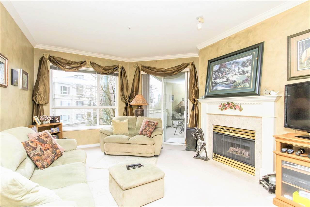 "Photo 3: Photos: 317 3098 GUILDFORD Way in Coquitlam: North Coquitlam Condo for sale in ""MARLBOROUGH HOUSE"" : MLS®# R2141555"
