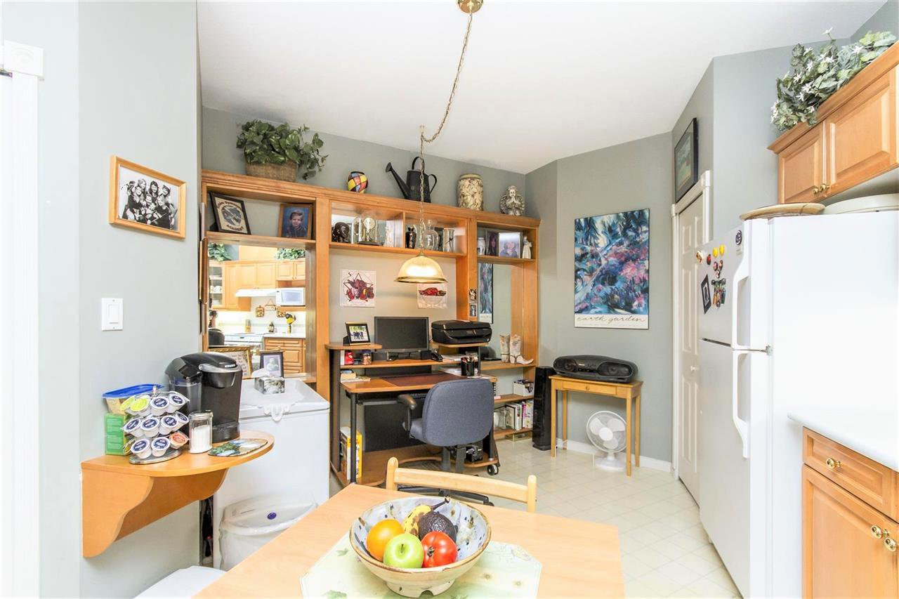 "Photo 6: Photos: 317 3098 GUILDFORD Way in Coquitlam: North Coquitlam Condo for sale in ""MARLBOROUGH HOUSE"" : MLS®# R2141555"