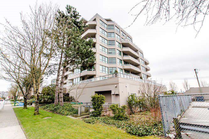 "Main Photo: 805 4160 ALBERT Street in Burnaby: Vancouver Heights Condo for sale in ""CARLETON TERRACE"" (Burnaby North)  : MLS®# R2143321"