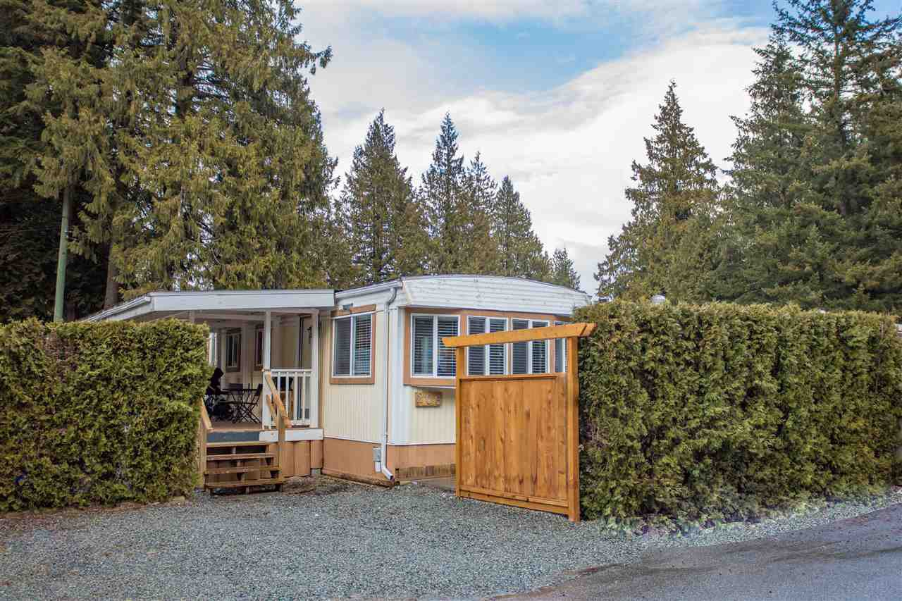 "Main Photo: 206 1830 MAMQUAM Road in Squamish: Garibaldi Estates Manufactured Home for sale in ""Timbertown"" : MLS®# R2143638"