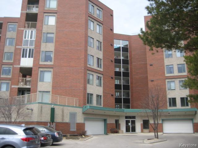 Main Photo: 15 Valhalla Drive in Winnipeg: North Kildonan Condominium for sale (3G)  : MLS®# 1708198