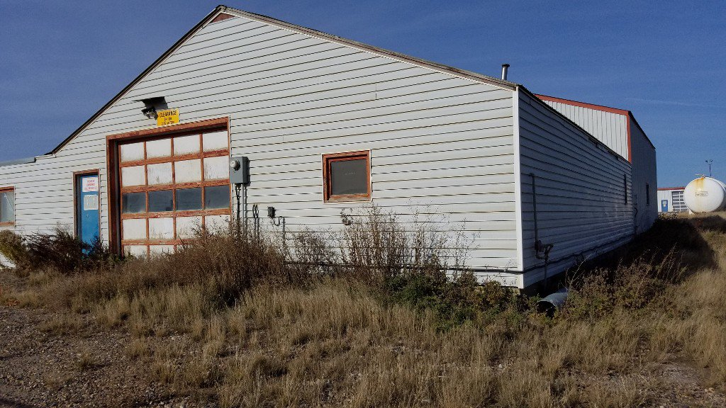 Photo 17: Photos: 401-403 Devonian Street in Estevan: Commercial for sale