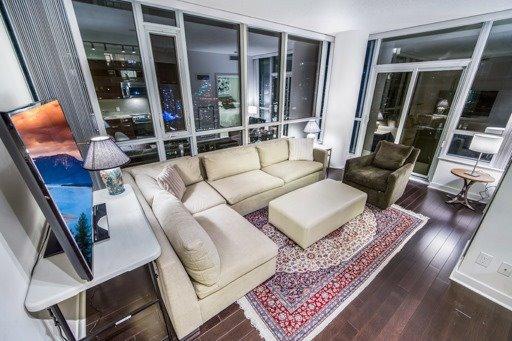 Main Photo: 3909 295 W Adelaide Street in Toronto: Waterfront Communities C1 Condo for sale (Toronto C01)  : MLS®# C3811741
