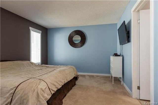 Photo 11: Photos: 11 Highcastle Crescent in Winnipeg: River Park South Residential for sale (2F)  : MLS®# 1724417