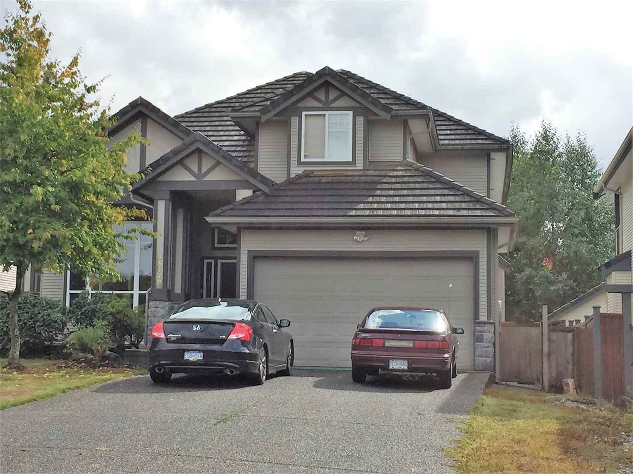 Main Photo: 18176 66 Avenue in Surrey: Cloverdale BC House for sale (Cloverdale)  : MLS®# R2306075