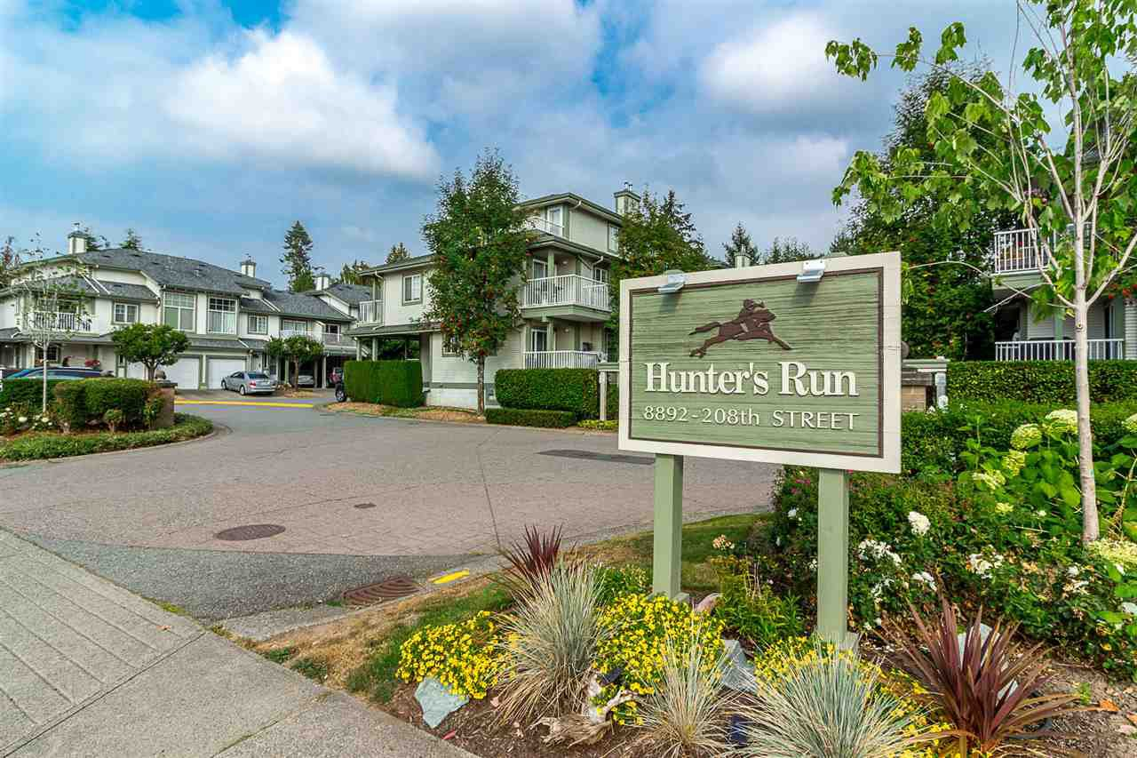 Main Photo: 16 8892 208 Street in Langley: Walnut Grove Townhouse for sale : MLS®# R2315871