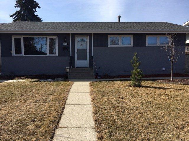 Main Photo: 11423 44A Avenue in Edmonton: Zone 16 House for sale : MLS®# E4147122