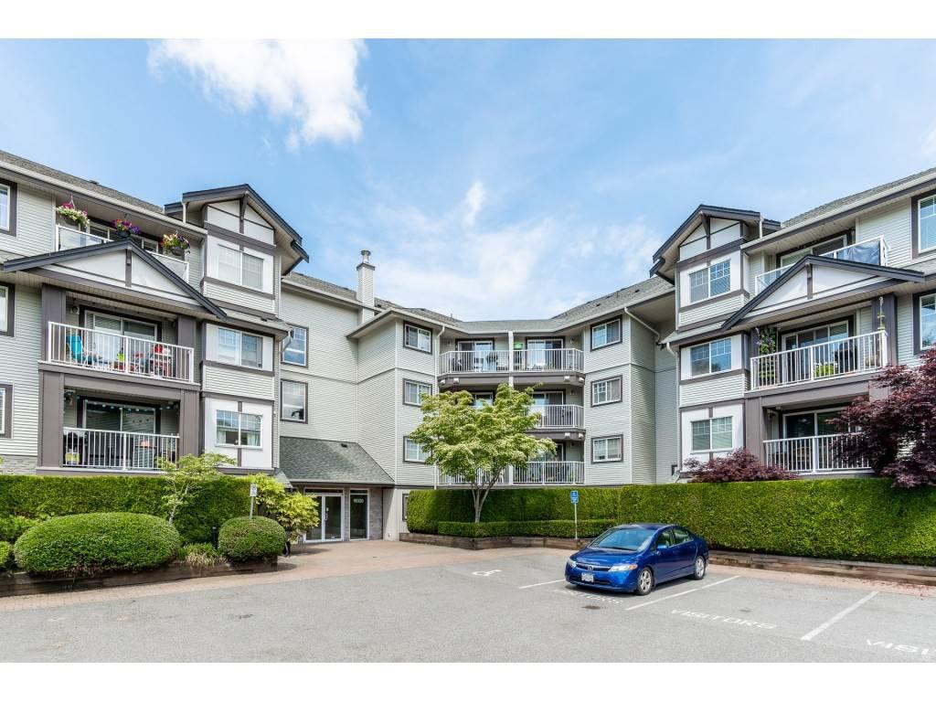 "Main Photo: 106 19320 65 Avenue in Surrey: Clayton Condo for sale in ""ESPRIT"" (Cloverdale)  : MLS®# R2459017"