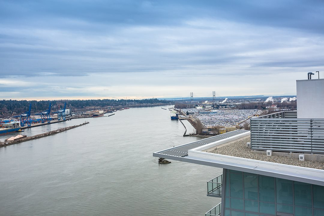 Main Photo: 3102 908 QUAYSIDE DRIVE in New Westminster: Quay Condo for sale : MLS®# R2463848