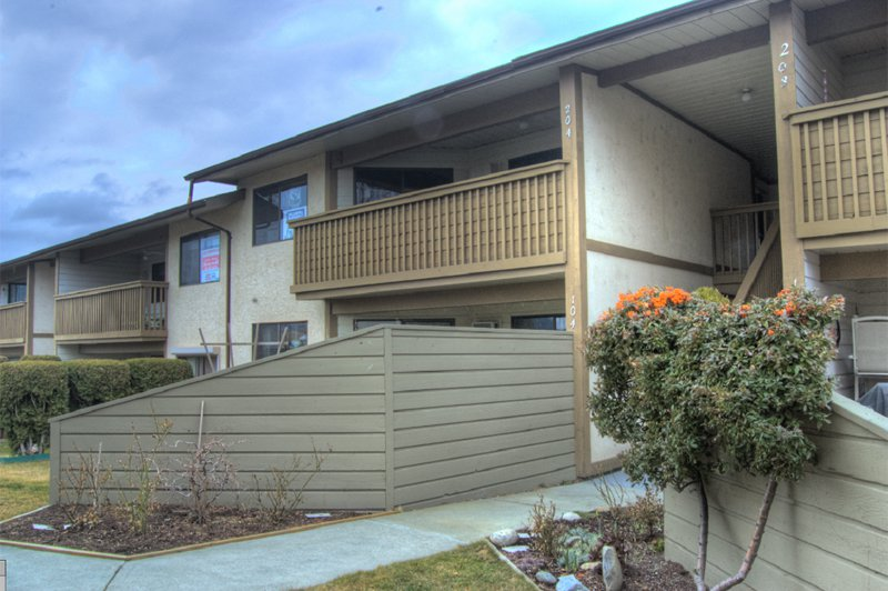 Photo 1: Photos: 204 1830 Atkinson Street in Penticton: Industrial Residential Attached for sale : MLS®# 140704